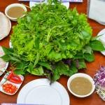 Đậm đà bánh tráng cuốn thịt heo ở Hà Nội